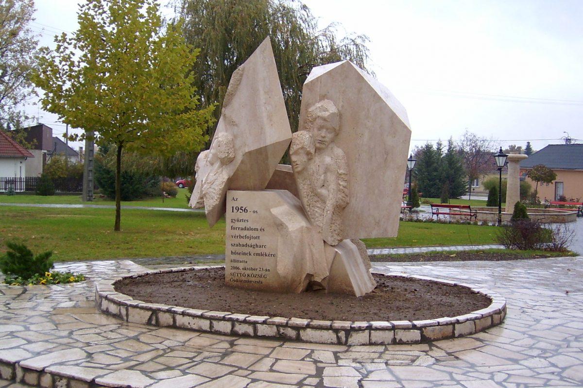 Naplótöredék ('56-os emlékm), 2006