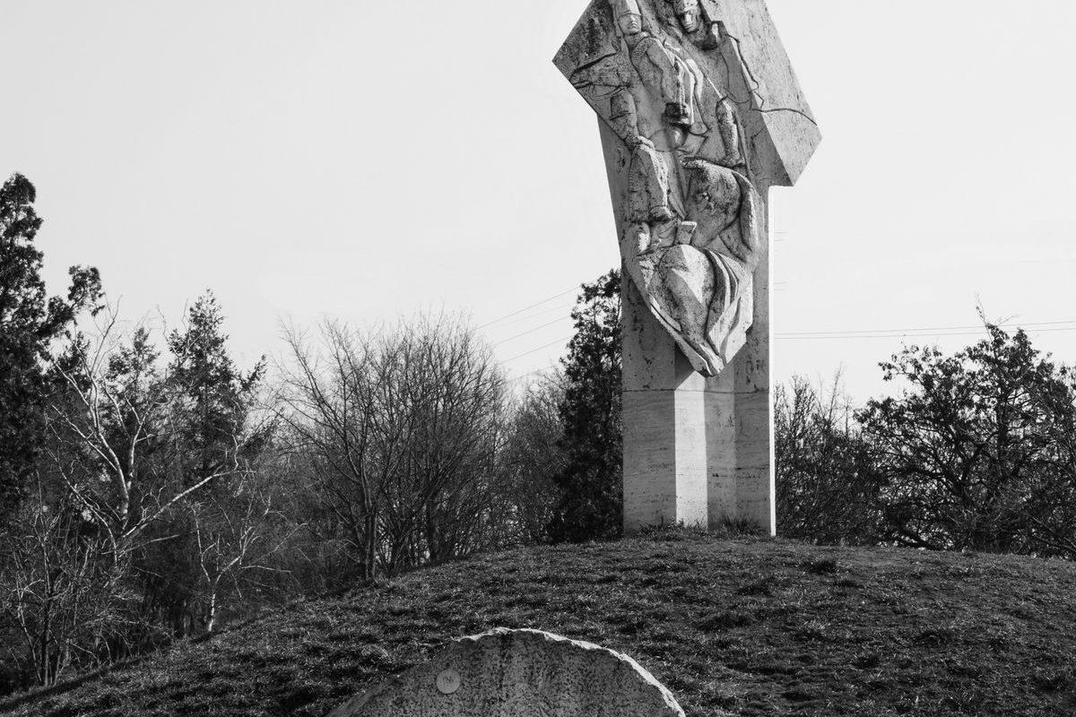 Tétényi csata (Honvéd emlékmű), 1996